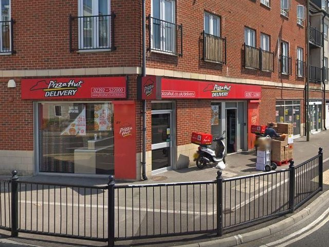 Customers And Staff Evacuated From Gosport Pizza Hut After