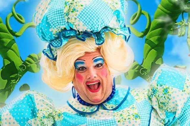 Jack Edwards as Dame Trott in The Kings Theatre 2021 panto, Jack and The Beanstalk
