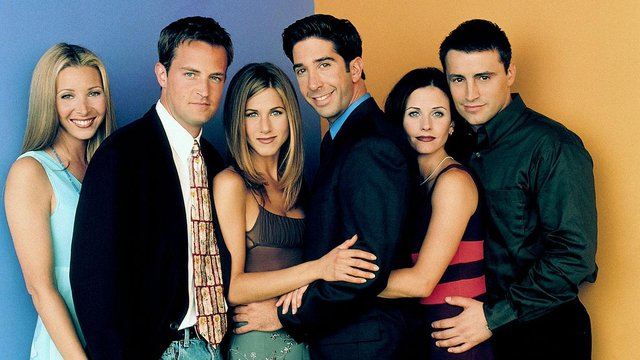 Friends stars' David Schwimmer and Jennifer Aniston have sent the internet wild today over dating rumours.