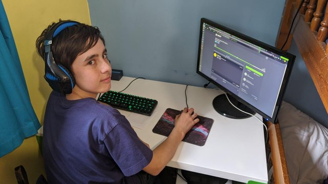 Sam Knight, 14, is taking part in a gaming marathon to raise money for the  Britich Red Cross