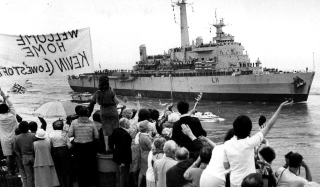 HMS Intrepid returns to Portsmouth from the Falklands in July 1982. The News PP691
