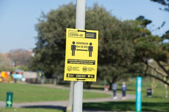 Signs on social distancing in Southsea. Picture: Habibur Rahman