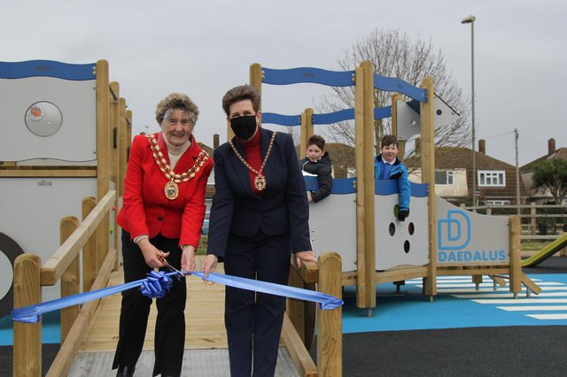 Pupils and teachersfrom Crofton Anne Dale Infant and Junior Schools helped officially open the play areaalongsidethe Mayor of Fareham, Councillor Pamela Bryant (left), and the Mayoress, Cllr Louise Clubley (right).