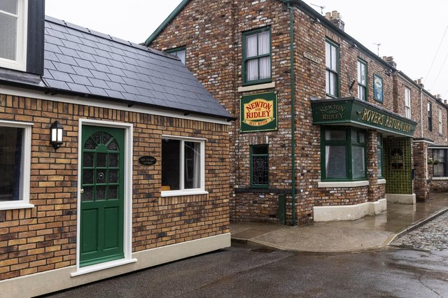 'The Rovers' Annexe' is unveiled on the set of Coronation Street, as it lists on Airbnb, giving fans a once-in-a-lifetime experience to stay in the self-contained pop-up house on the cobbles, Manchester. Picture: Fabio De Paola/PA Wire