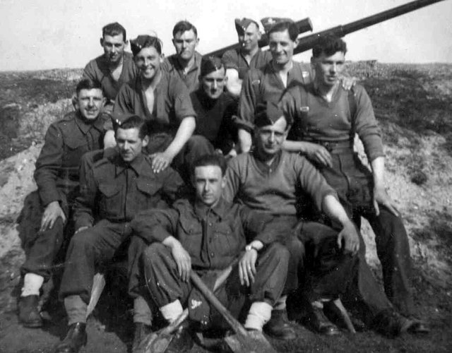 Gunners at Hayling, taken at North Hayling in March 1941. Members of gun crew 219 battery.