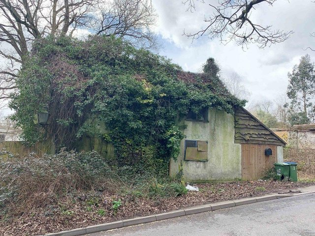 Lot 132- 3 Segensworth Road, Fareham - auction with Clive Emson on May 5th 2021