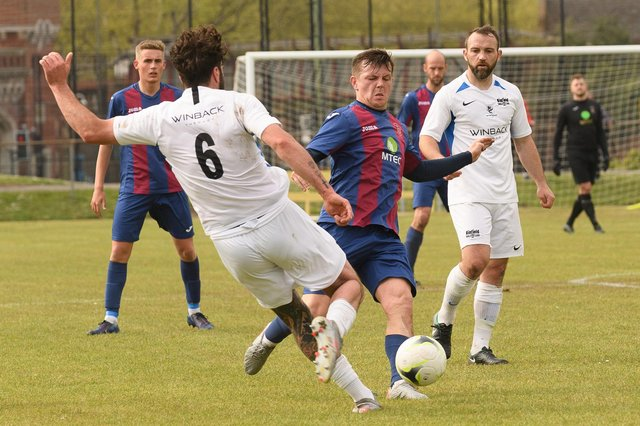 Callum Glen in action for US Portsmouth during their FA Vase semi-final with Binfield. Picture: Keith Woodland