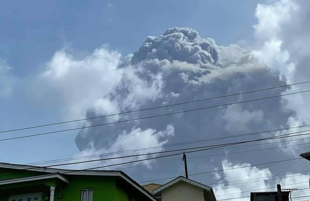 Image courtesy Zen Punnett shows the eruption of La Soufriere Volcano from Rillan Hill in Saint Vincent, erupting. Photo by Zen Punnet / AFP via Getty Images.