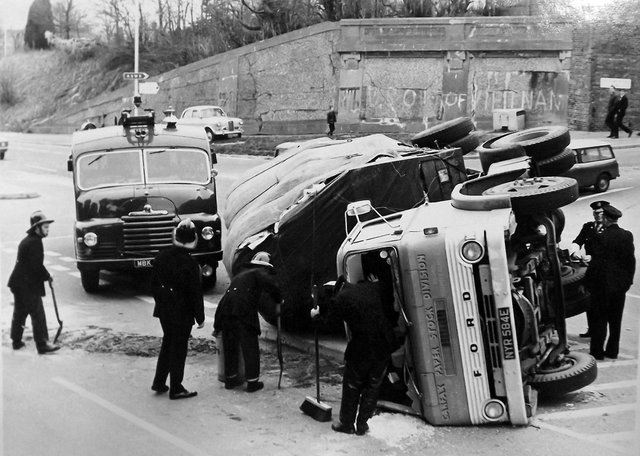 Truck accident Southwick Hill A lorry that has tipped over at the junction of London Road and Southwick Road, Cosham in 1969.