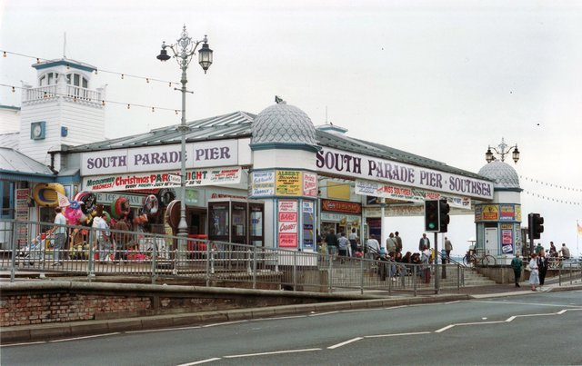 South Parade Pier 18th August 1992 Picture: The News 1909-5