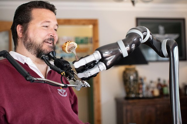 Veteran with spinal cord injury first to receive assistive robotic armMilitary veteran Jon Noble from Havant, Hampshire has recently been able to feed himself for the first time in 17 years after receiving a robotic arm thanks to charity funding. Jon has become the first person with a spinal cord injury in the UK to receive a JACO assistive robotic arm.