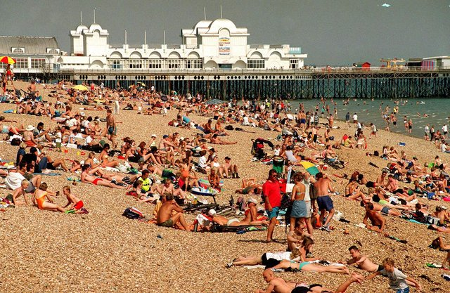 A packed Southsea beach in 1999. Picture: The News Portsmouth 993673