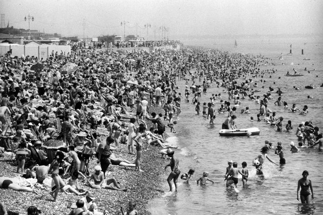 Crowds flock to Southsea beach to take advantage of the sun in July, 1982. The News PP5179