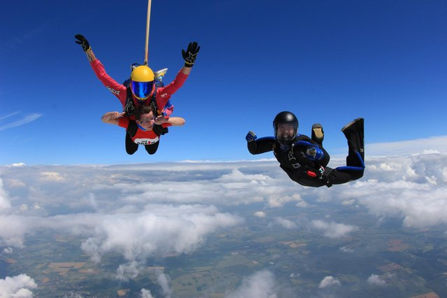 Employees at BECG and Cavendish Advocacy completed a 14,000 ft skydive to raise money in aid of The Brain Tumour Charity.