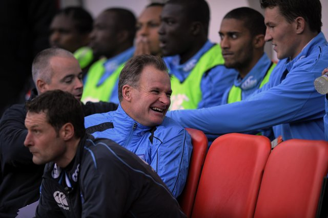 David Coles on the Pompey bench in 2008.  PICTURE:STEVE REID(084560-180)