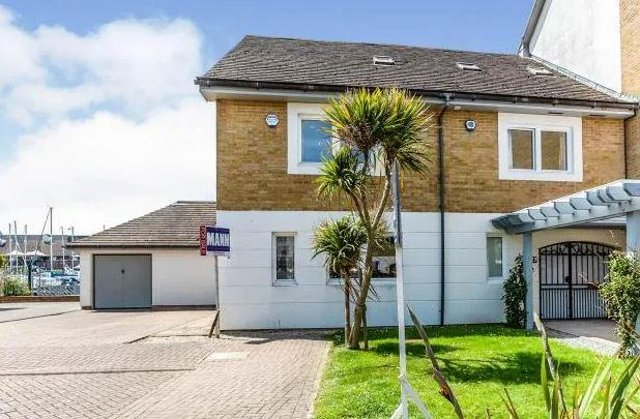 This house in Port Solent is on the market for £900,000.