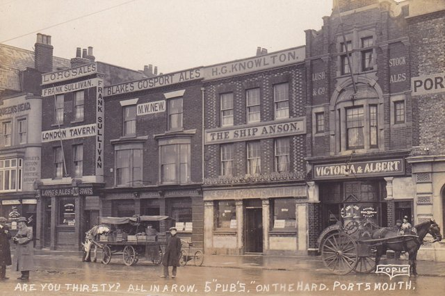 Five pubs in a row on The Hard circa 1910. When you could go on a pub crawl along the hard and not walk one-hundred yards.