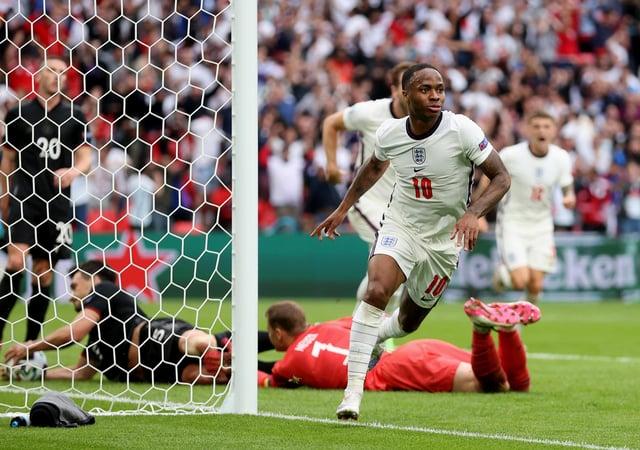 Англієць Рахім Стерлінг відзначився, забивши перший гол своєї команди під час матчу 1/8 фіналу чемпіонату Європи з футболу, який звів Англію та Німеччину на стадіоні